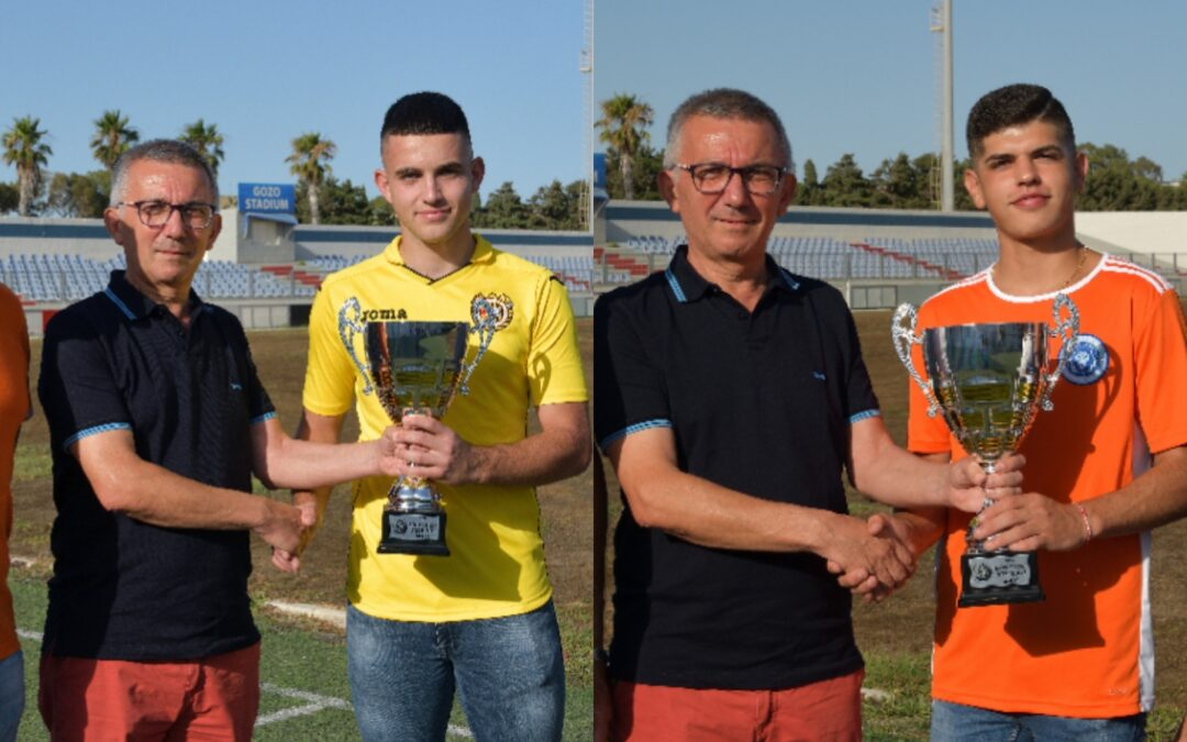 Under 18 joint-champions presented with trophy